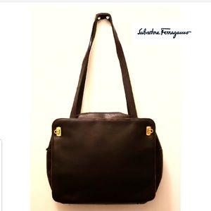 🎉Salvatore Ferragamo Gancini Buckle Leather Bag